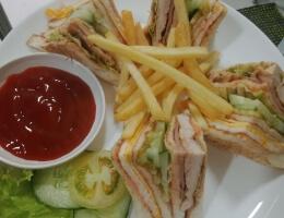 Eco Club Sandwich (w/ fries)
